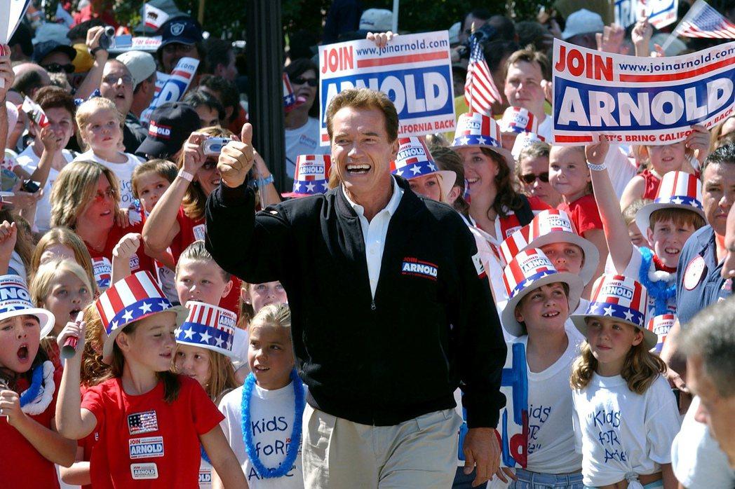 好萊塢動作巨星阿諾史瓦辛格2003年競選加州州長檔案照。美聯社