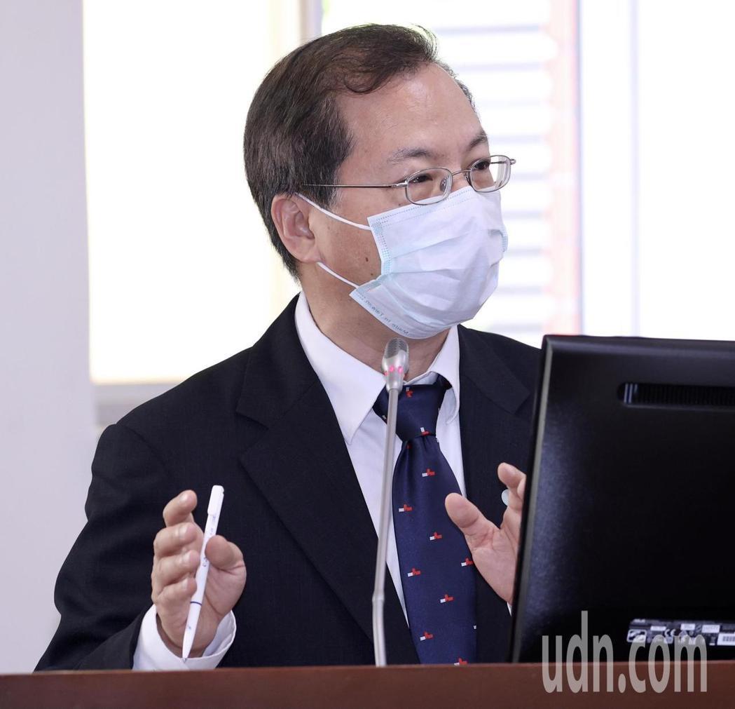 國發會主委龔明鑫表示,台灣的所得稅比其他國家高,這次的租稅優惠是給予第一次來台工...