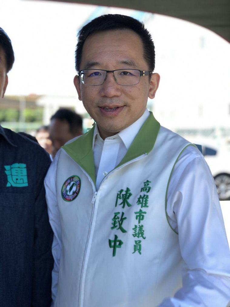 陳水扁近期的重心是主持每周一次的廣播節目,談勵志人生故事等,陳致中說,父親很用心...
