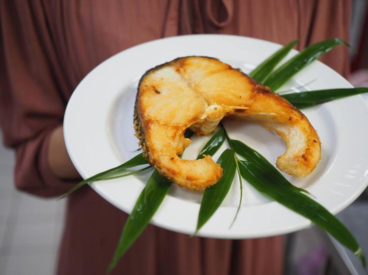 此次宜蘭餐桌的主菜墨瑞鱈魚,肉質纖細有彈性。圖/野夫炊煙提供。