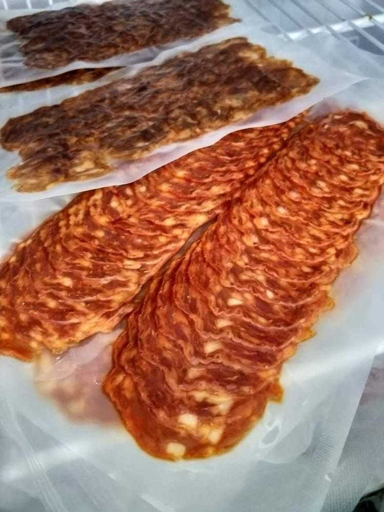 台灣本產豬肉做成的沙拉米,風味俱足。圖/好時好物提供。