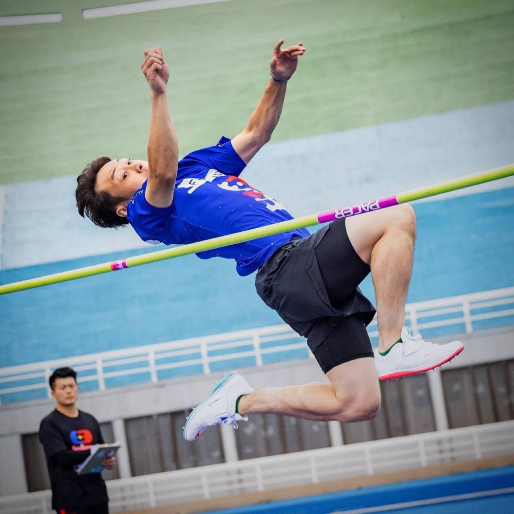顏佑庭在小春、鼓鼓等人激勵下,跳出驚人成績。圖/摘自臉書