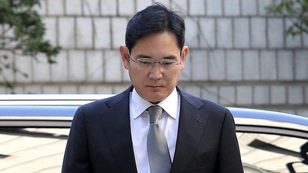 隨著全球半導體市場激烈加劇,南韓總統文在寅10日表示,將進一步聆聽公眾輿論,考慮...