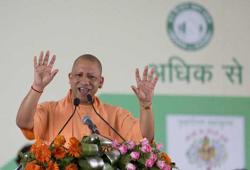 北方邦首席部長、印度教僧侶阿蒂提亞納特堅稱邦內不缺抗疫物資,還揚言起訴「散播恐懼」的民眾。美聯社
