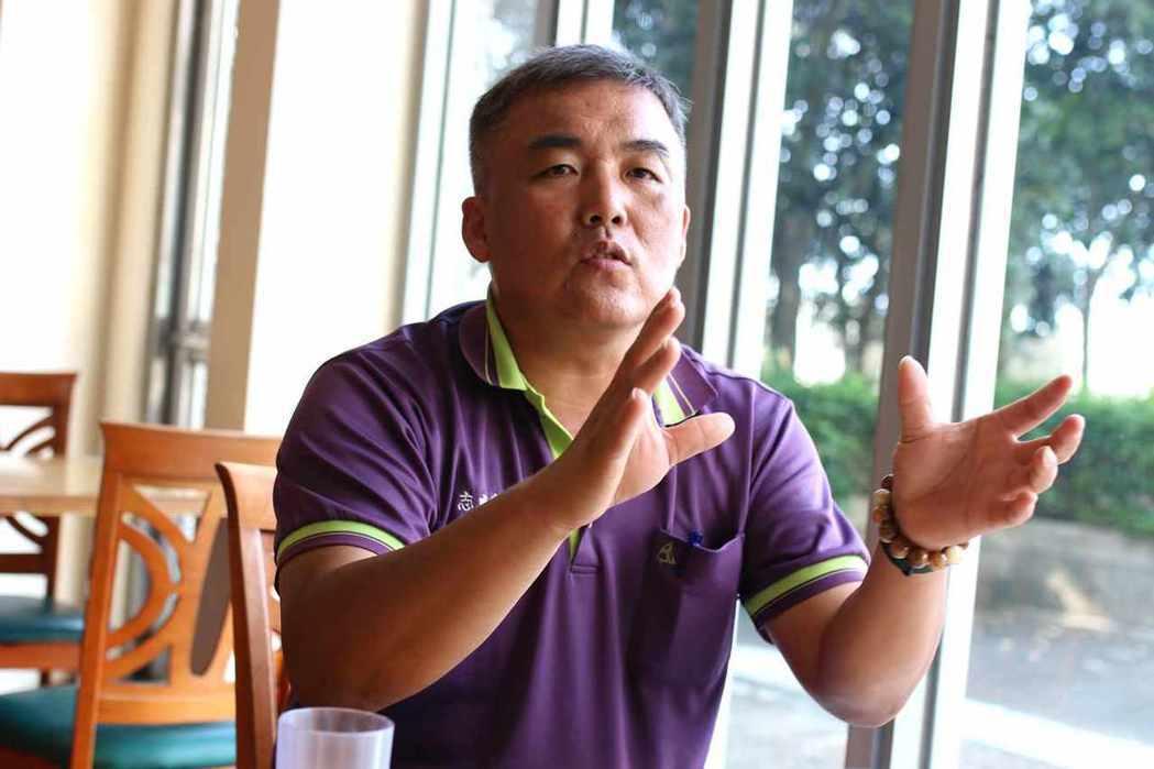 大林明華社區邁向公民電廠合作社的推手江志弘。 圖/林吉洋 攝影