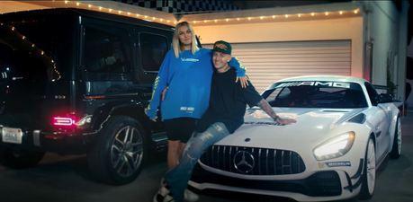 影/賓士AMG我開大的!澳洲超模Jessica Hart沉醉在AMG G63的狂放世界