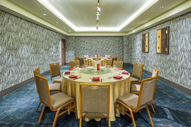 台北凱撒3樓及4樓的宴會廳開放包場辦理謝師派對。 業者/提供