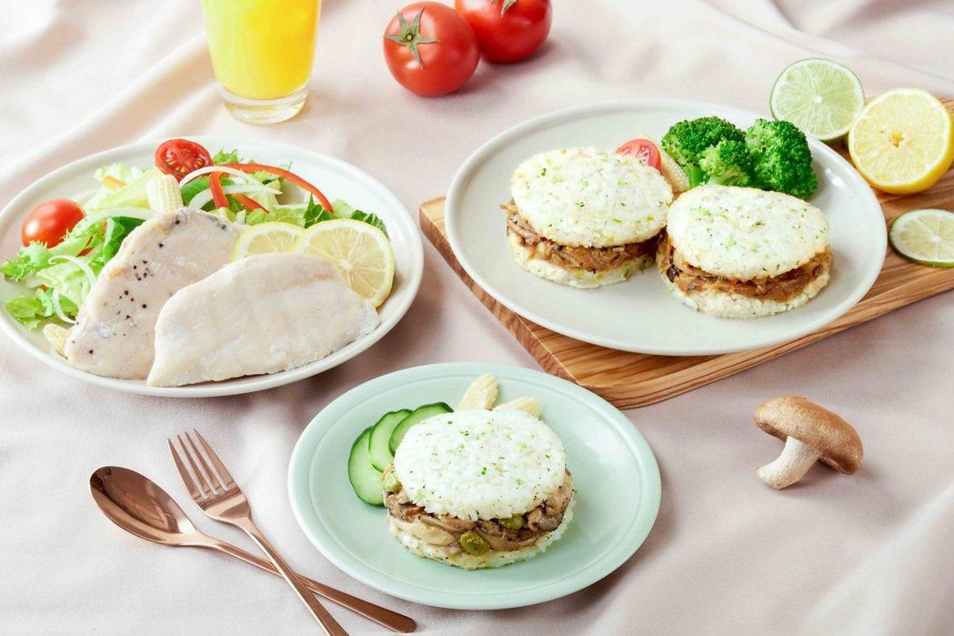 KKLife翠玉米漢堡與舒肥雞是夏日輕食首選。