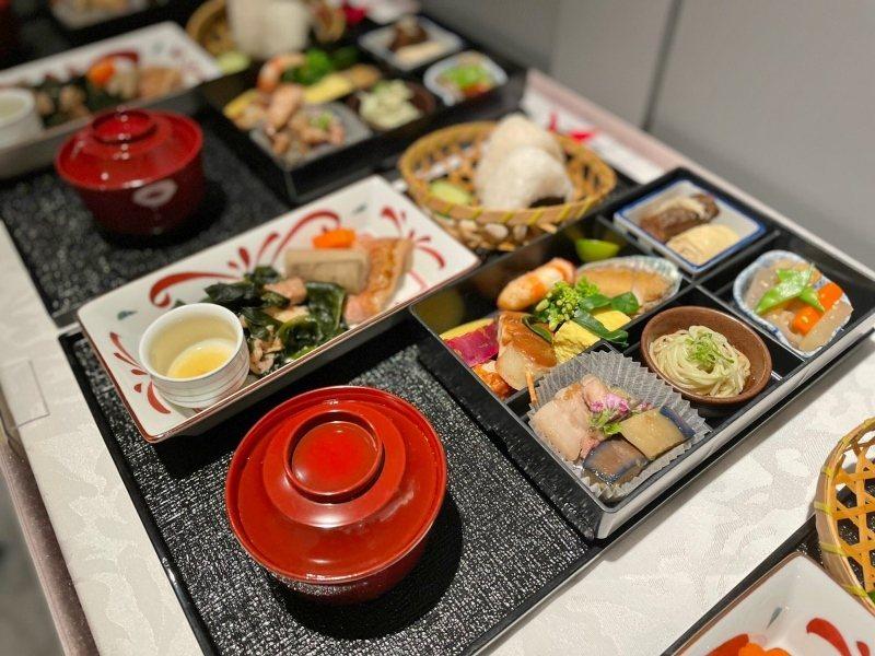 「日本在地美食之旅:釧路鶴居村」將百分百還原日航商務機上餐、並融入北海道鄉土料理...