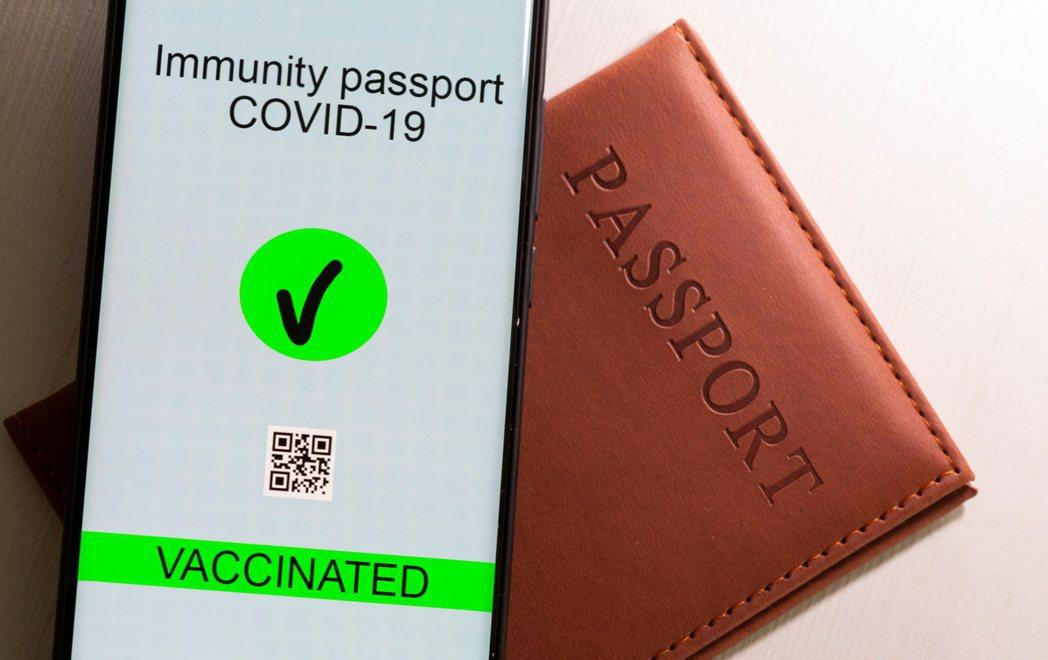 亞洲科技新創公司正利用旗下技術,著手開發疫苗護照。圖/路透