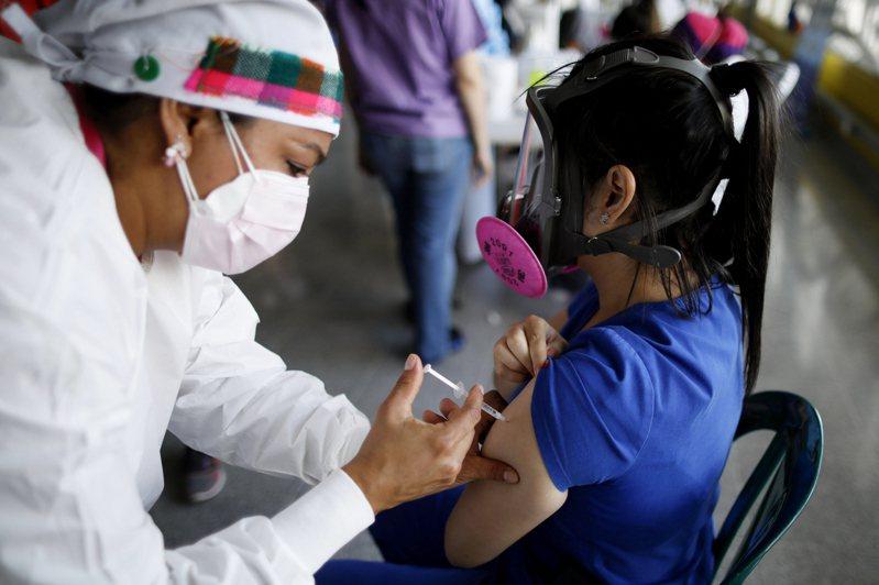 我友邦、中美洲國家宏都拉斯10日表示,將透過2018年與我斷交的鄰國薩爾瓦多,協助購買中國新冠肺炎疫苗。美聯社