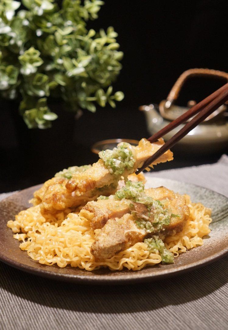 茶餐廳必點的豬扒撈丁,在鳳凰軒也能吃得到。圖/長榮鳳凰酒店(礁溪)提供