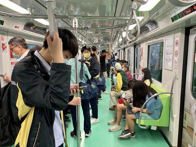 台中市長盧秀燕表示,中捷正式通車後的運量,居北捷、高捷中位數,合乎預期。聯合報系資料照片