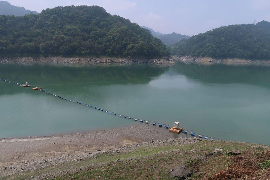 石門水庫今天蓄水率僅剩16.6%,蓄水量3354.98噸,水位212.38公尺再...