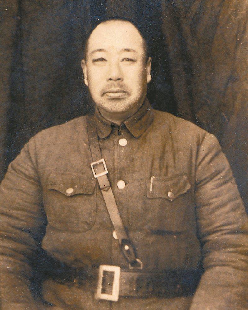 王靖國將軍抗戰時期照片。(圖/王壽來提供)