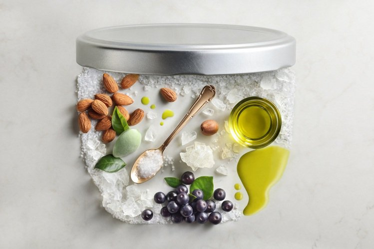 SABON身體磨砂膏,以死海鹽粒為主要成分。圖/SABON提供