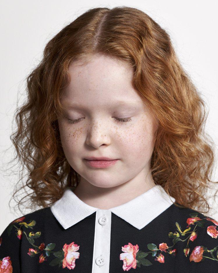 英倫玫瑰是BURBERRY童裝設計元素之一。圖/BURBERRY提供