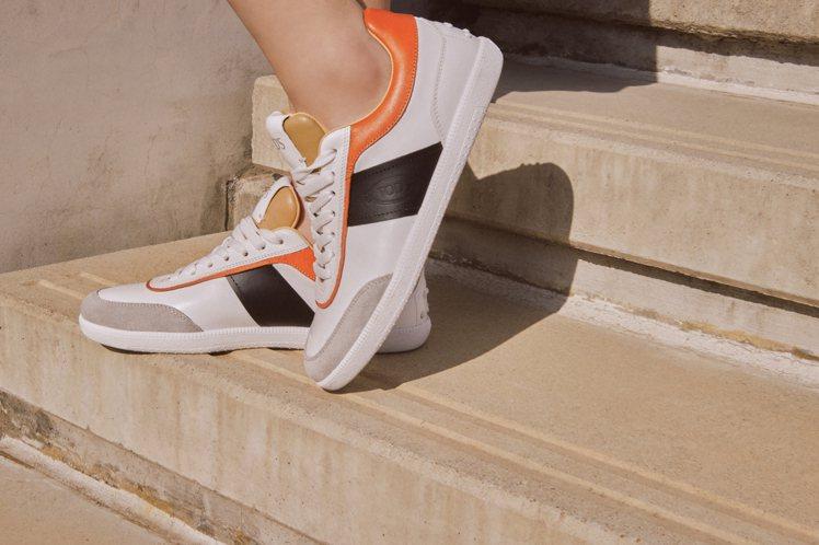 TOD'S Tabs休閒鞋的鞋跟設有經典的豆豆橡膠粒,既保留品牌經典D...