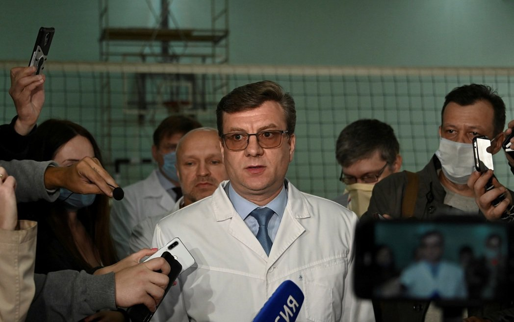 俄羅斯反對派領袖納瓦尼2020年8月遭人投毒,當時負責救治的首席醫師穆拉霍夫斯基...