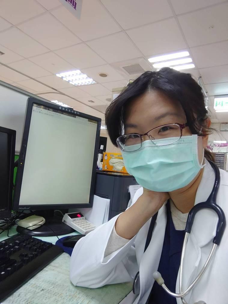 羅東聖母醫院急診室主治醫師郭恩悅警覺性高,在母親節當天安排2名急診患者採檢,隔天...