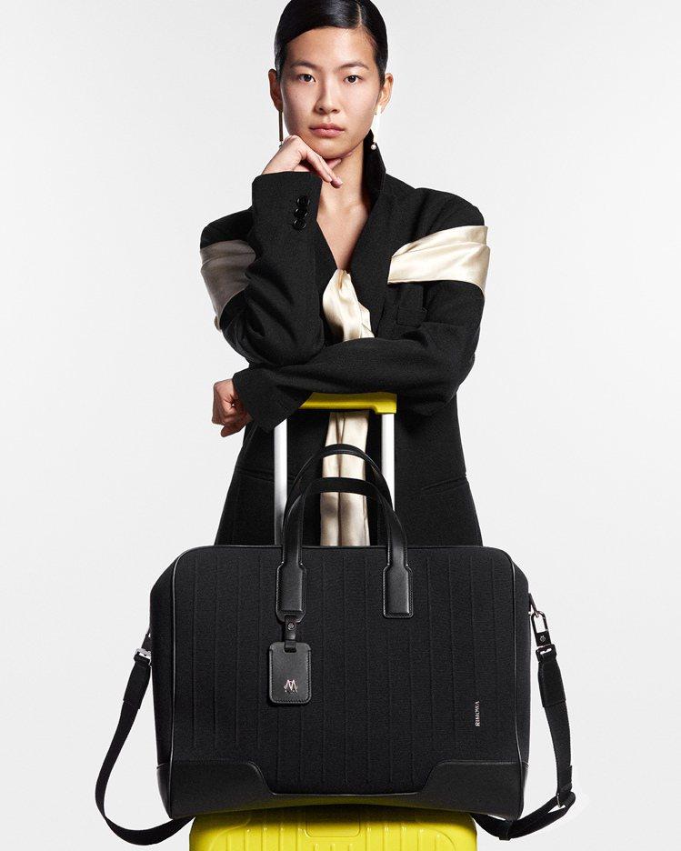 RIMOWA NEVER STILL系列Weekender行李袋52,700元。...