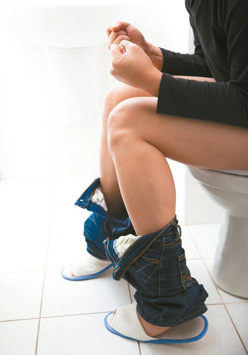 發炎性腸道疾病常見腹瀉、血便等症狀。圖╱123RF