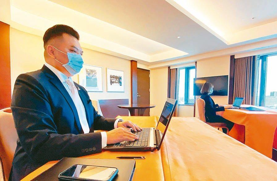 因應企業機關啟動異地辦公,有飯店推出行動商務辦公室,將客房轉作辦公空間出租。...