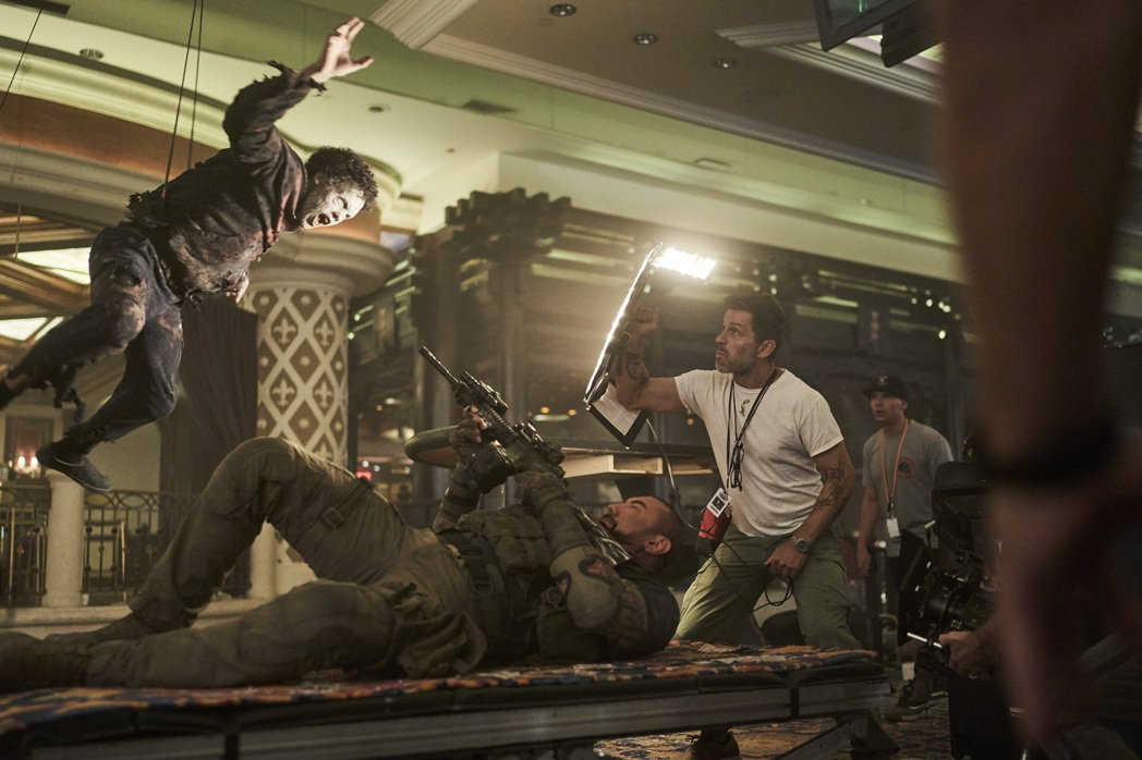 「活屍大軍」精心設計許多在拉斯維加斯拍攝的動作戲。圖/Netflix提供