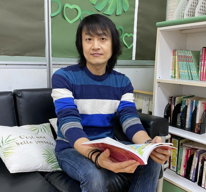 台北市永安國小老師黃國平營造美感舒適且像家的教室空間。記者董俞佳/攝影