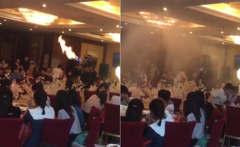 中國大陸1個婚禮現場請來變臉噴火表演,卻不小心觸碰了酒店的滅火系統,結果瞬間下起「滂沱大雨」。(影片截圖)