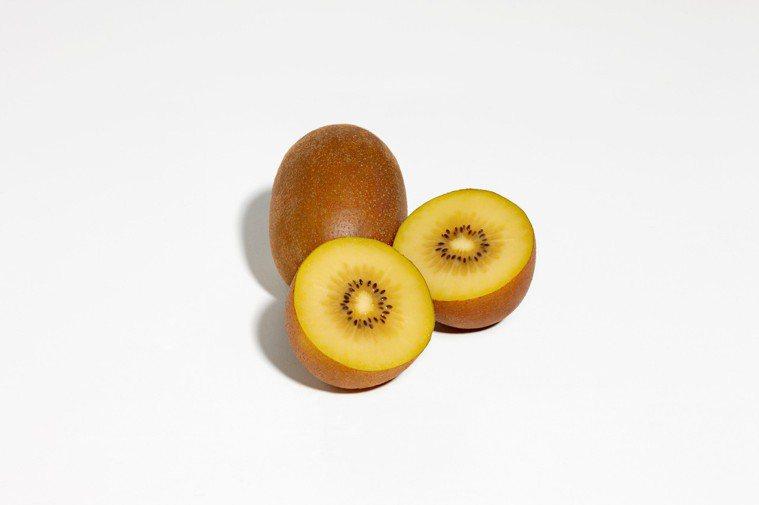 奇異果的維生素C含量是柳橙的1.5至3倍,營養豐富多元,因此被稱為「營養小金礦」...
