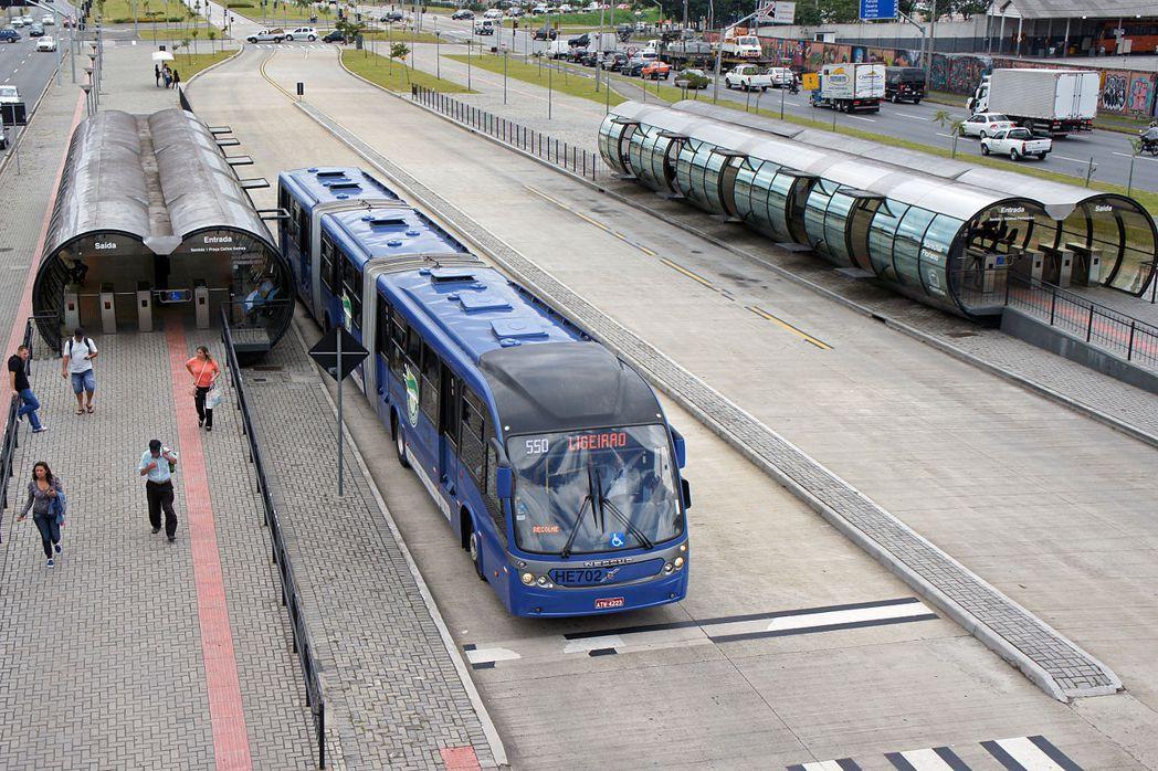 庫里奇巴是世界首座BRT城市,充分整合交通規劃與土地使用規劃。 圖/維基共享