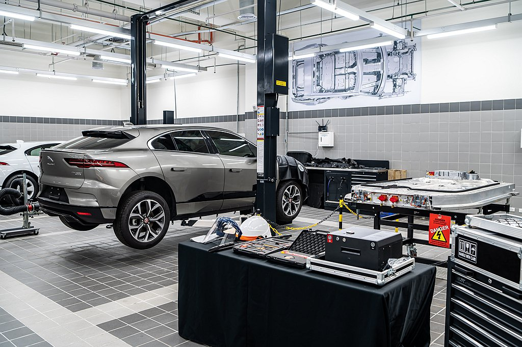 因應全球電動車浪潮,Jaguar Land Rover九和全新旗艦展示暨服務中心...