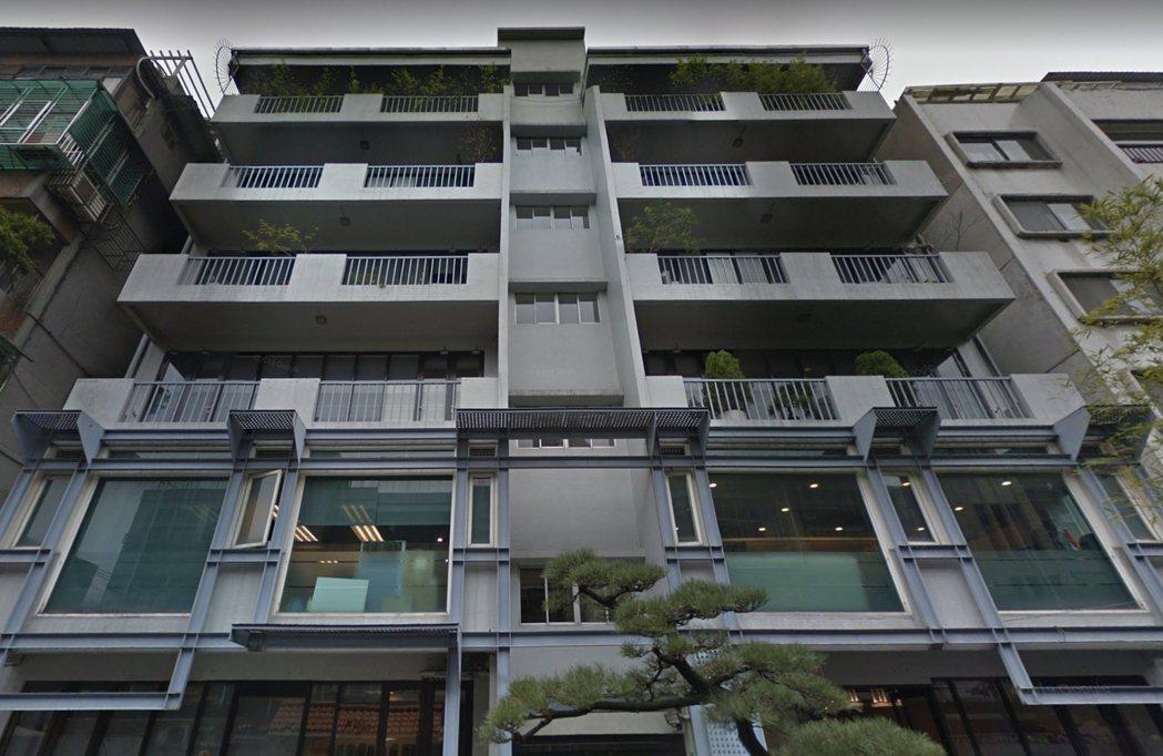 敦化北路145巷內的老公寓是璞園建築團隊的起家厝,無數台北名宅在此孕育誕生,未來...
