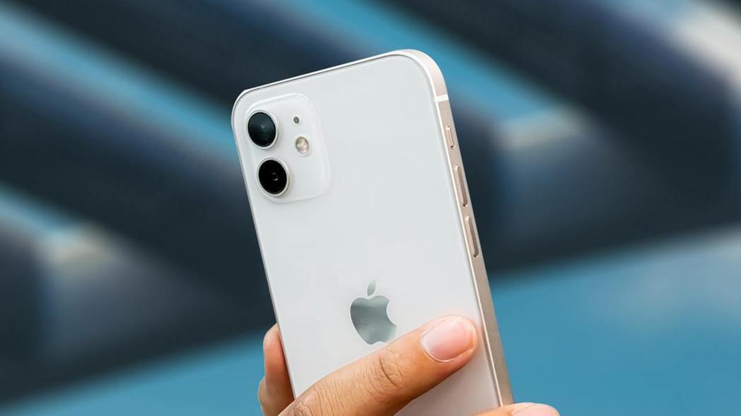 iPhone 12一枝獨秀,榮登第一季銷量冠軍。傑昇通信/提供