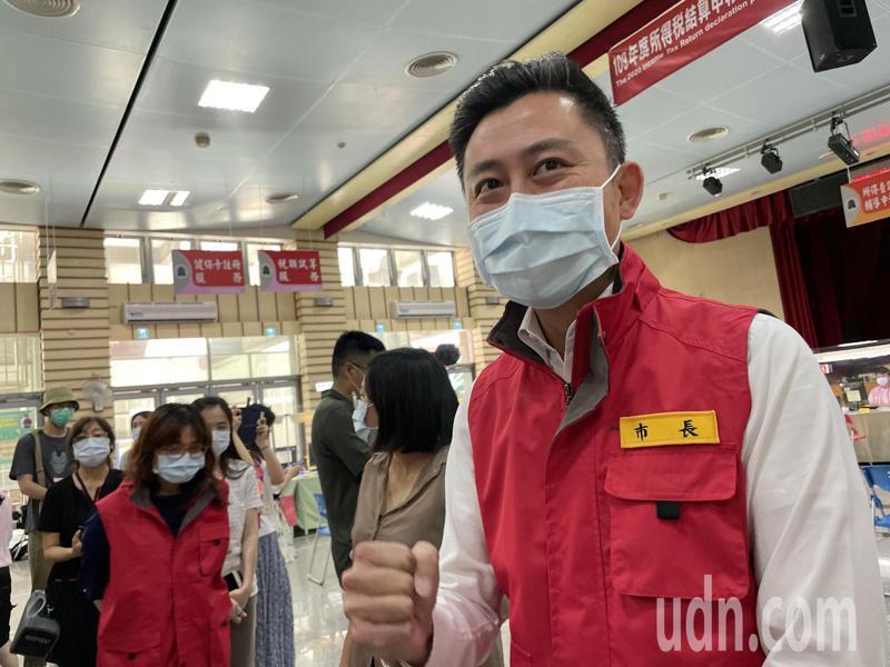 新竹市林智堅呼籲民眾打疫苗。記者張裕珍/攝影