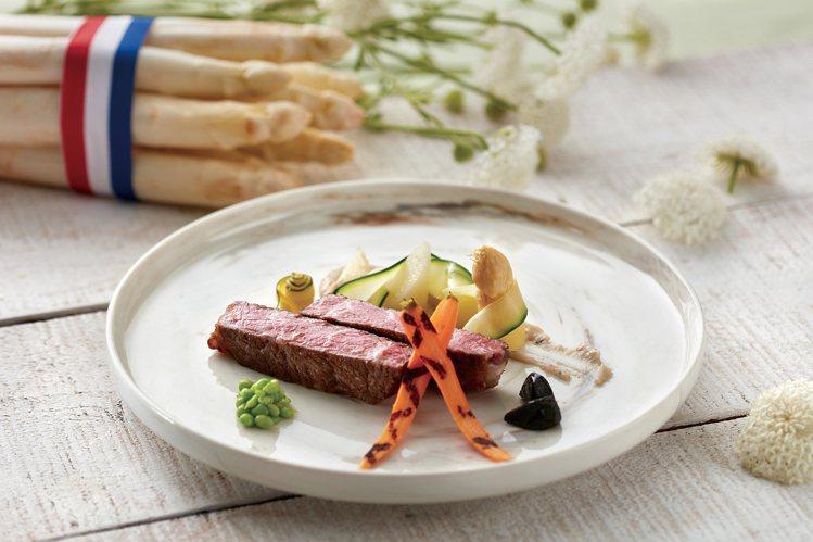 台北喜來登安東廳推出「法國白蘆筍饗宴」。圖/台北喜來登提供