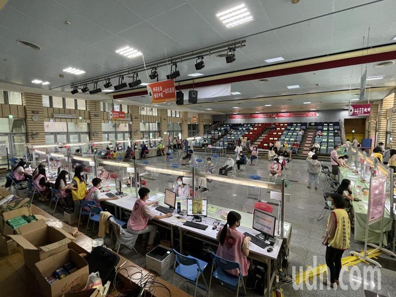 新竹市報稅會場加強防疫措施。記者張裕珍/攝影