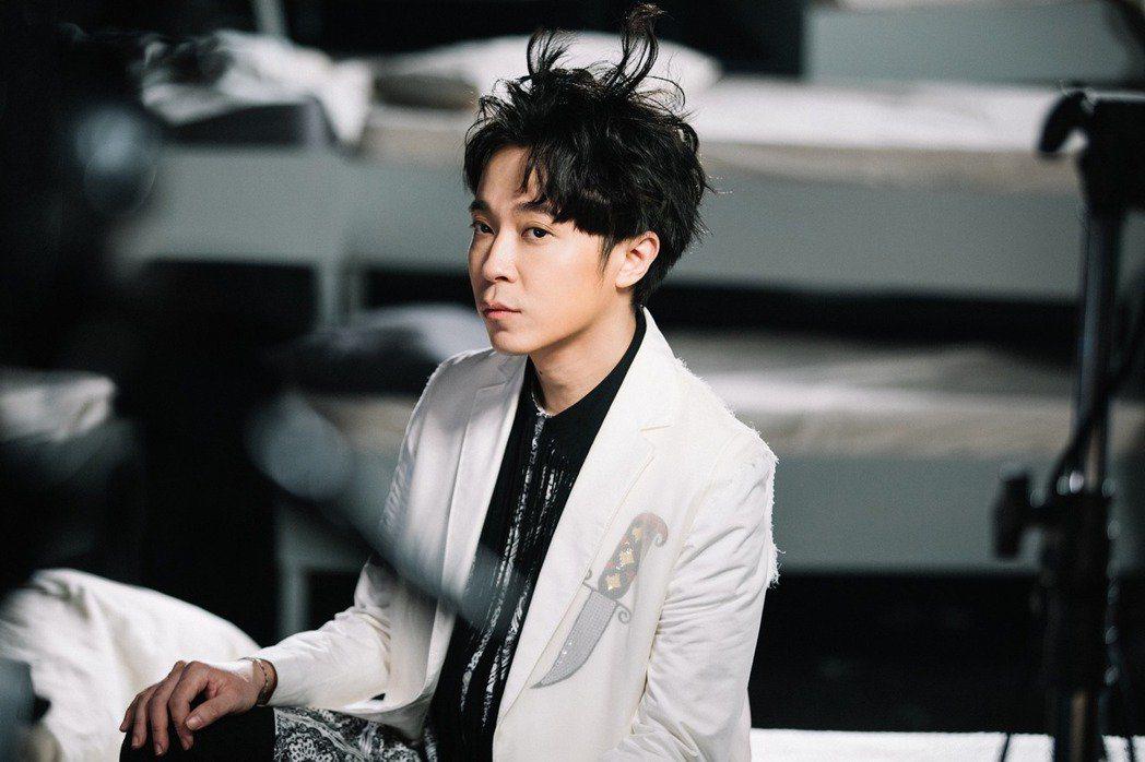 吳青峰入圍最佳華語男歌手。圖/摘自吳青峰臉書