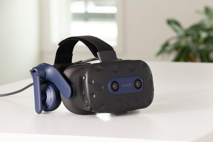 VIVE Pro 2頭戴式顯示器(不含定位器及控制器等)建議售價為24,900元...