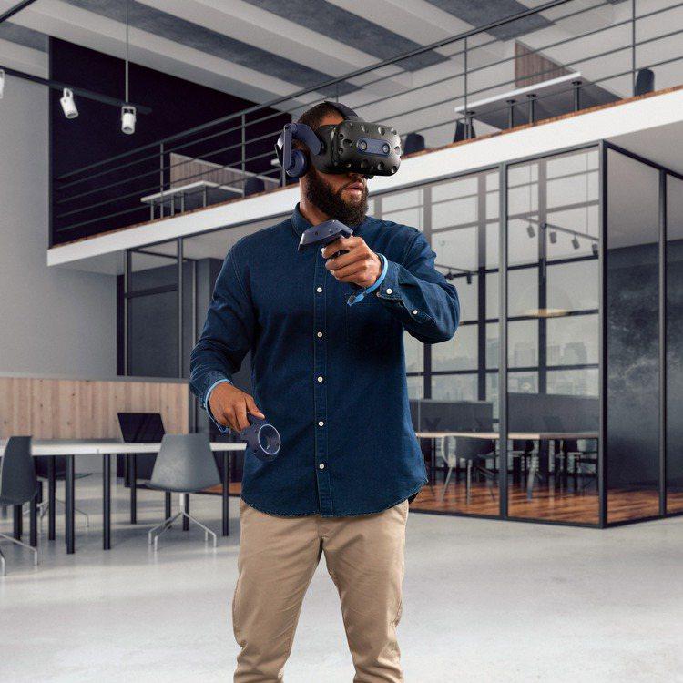 專為遊戲玩家、專業使用者而生的VIVE Pro 2旗艦VR頭戴式顯示器。圖/HT...