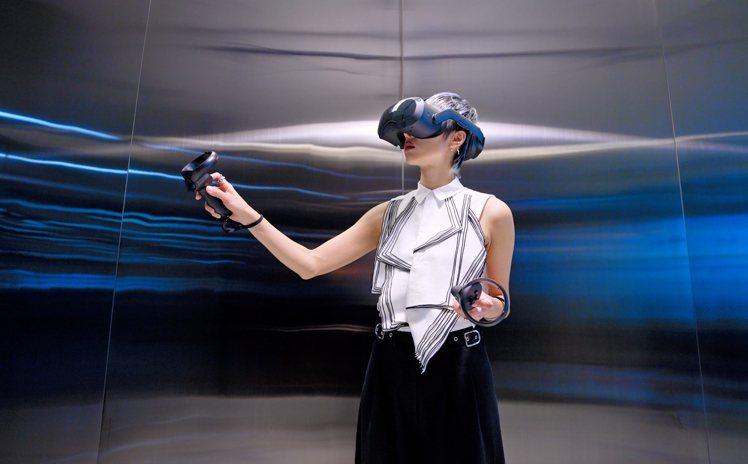 全球首發旗艦級5K商用VR一體機VIVE Focus 3,內建全新VIVE Bu...