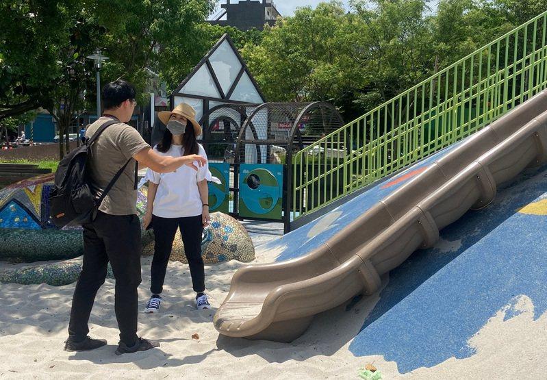 平鎮區公所同意6月底前改善公園欄杆生鏽問題。圖/市議員舒翠玲提供