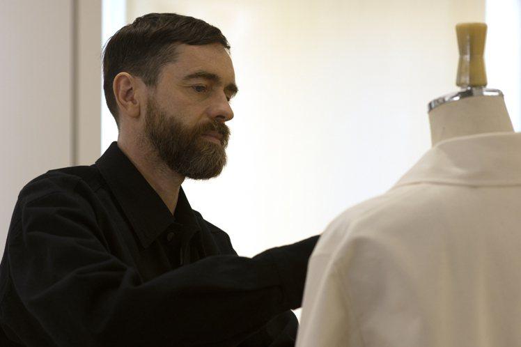設計師暨U系列藝術總監Christophe Lemaire帶領團隊,實現了Lif...