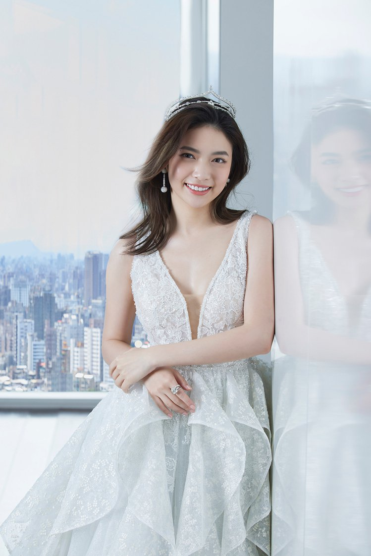 Sustainable Love Bridal Collection永續環保婚紗...