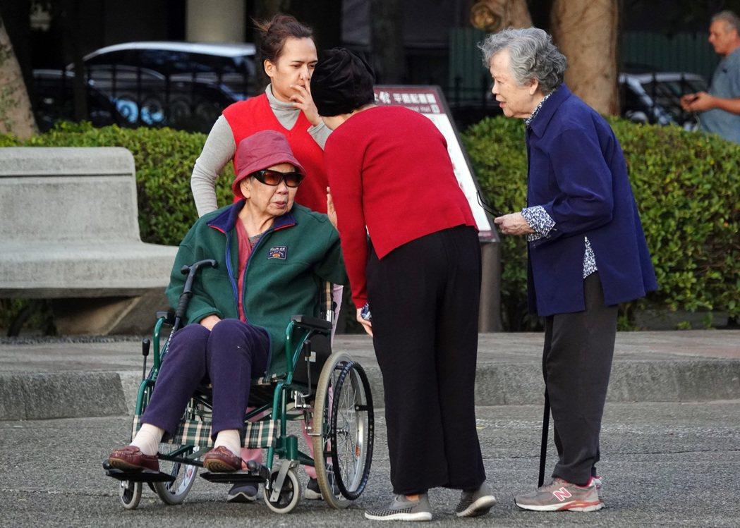 法人認為,專門為退休理財所設計的目標風險基金,可以提高退休理財效益。(本報系資料...