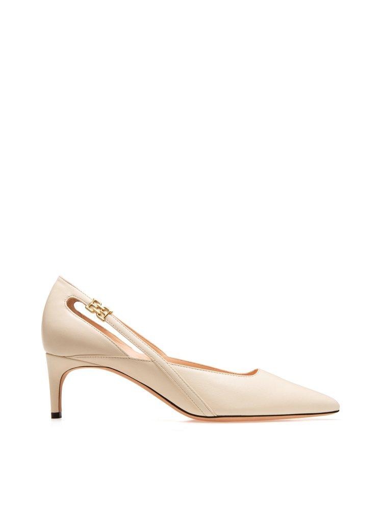 B-CHAIN純白羊皮高跟鞋,18,800元。圖/BALLY提供
