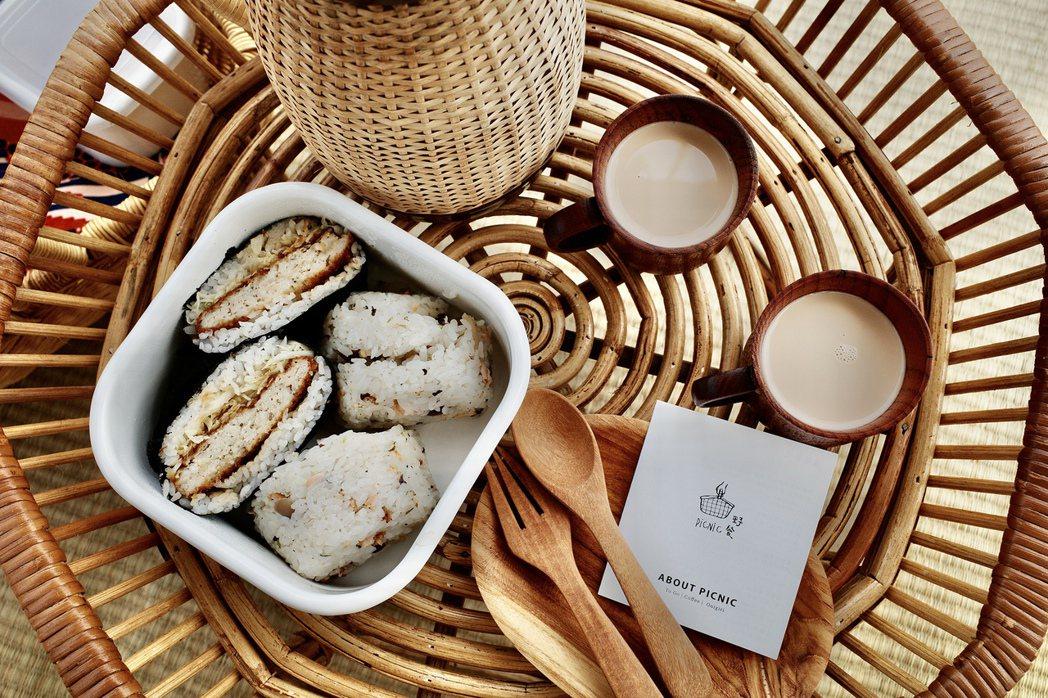 野餐組合會有一個基本藤籃,一個藤編壺裝有冰紅茶(可加價換購冰/熱咖啡、熬煮冰/熱...