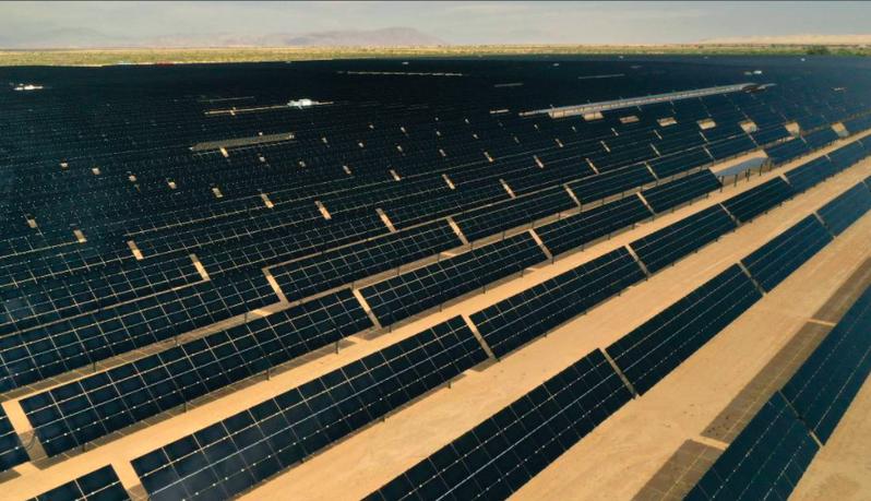 大陸製太陽能板可能涉及強制勞動,華府考慮實施制裁。路透
