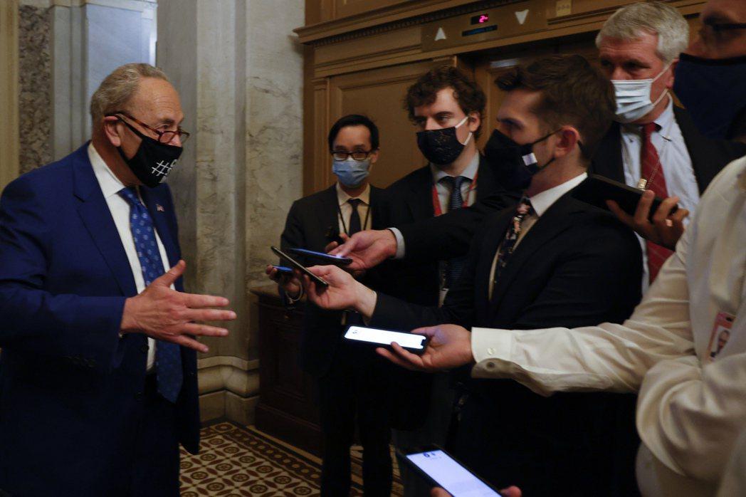 美國參院商務委員會12日通過《無盡邊疆法案》,計劃投入1,000億美元至科學及先...